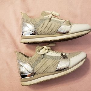 Michael Kors Sneaker size us10/40 Gray & Gold